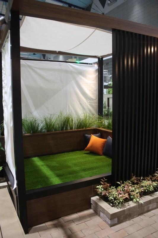 芝生ベッド
