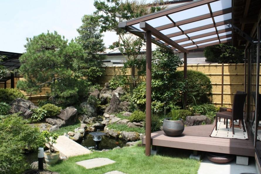 樹の木テラスと和風庭園